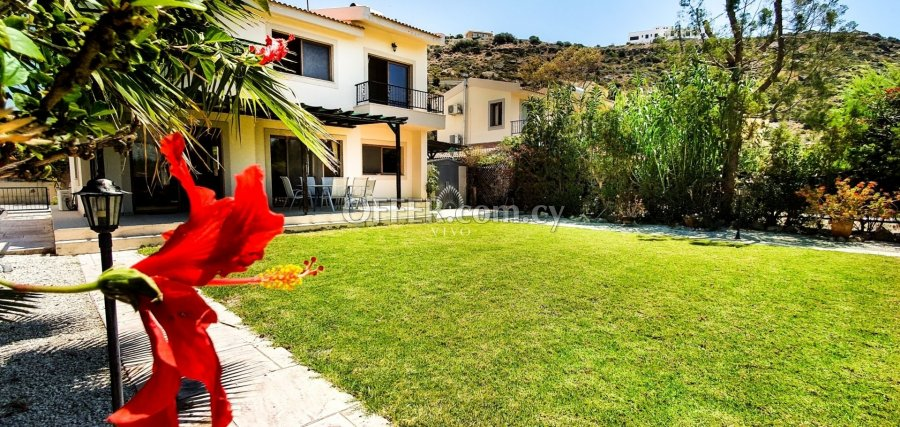 MODERN THREE BEDROOM DETACHED HOUSE  IN PISSOURI - 5