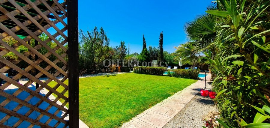 MODERN THREE BEDROOM DETACHED HOUSE  IN PISSOURI - 4