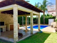 Beautiful 3 Bedroom Villa in Germasogeia Tourist Area