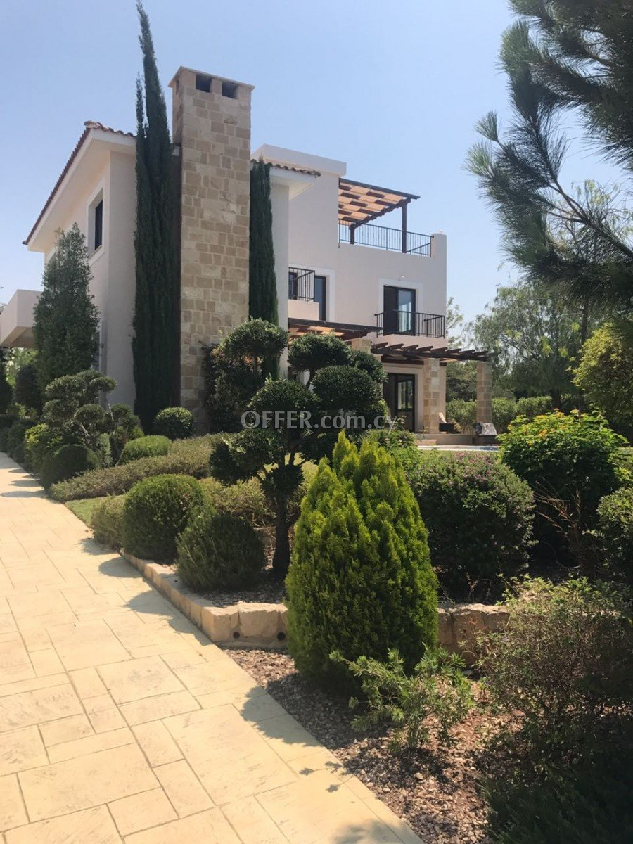 Four bedroom villa for sale in Secret Valley - 1