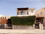 Three bedroom villa for sale in Kato Paphos