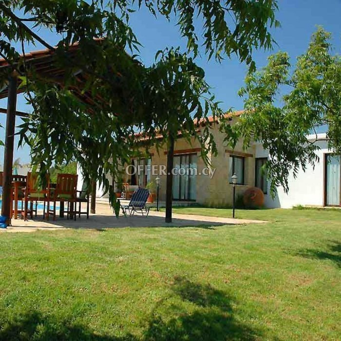 Three bedroom villa for sale in Coral Bay Peyia - 9