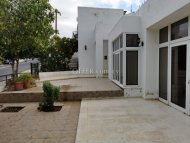 Four bedroom villa for sale in Emba
