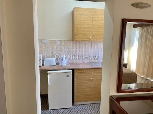 Studio city Centre furnished TV, Wi-Fi, Hotwater, electricity all bills included - 4