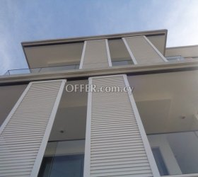 3 Bedroom Whole Floor Apartment with roof garden