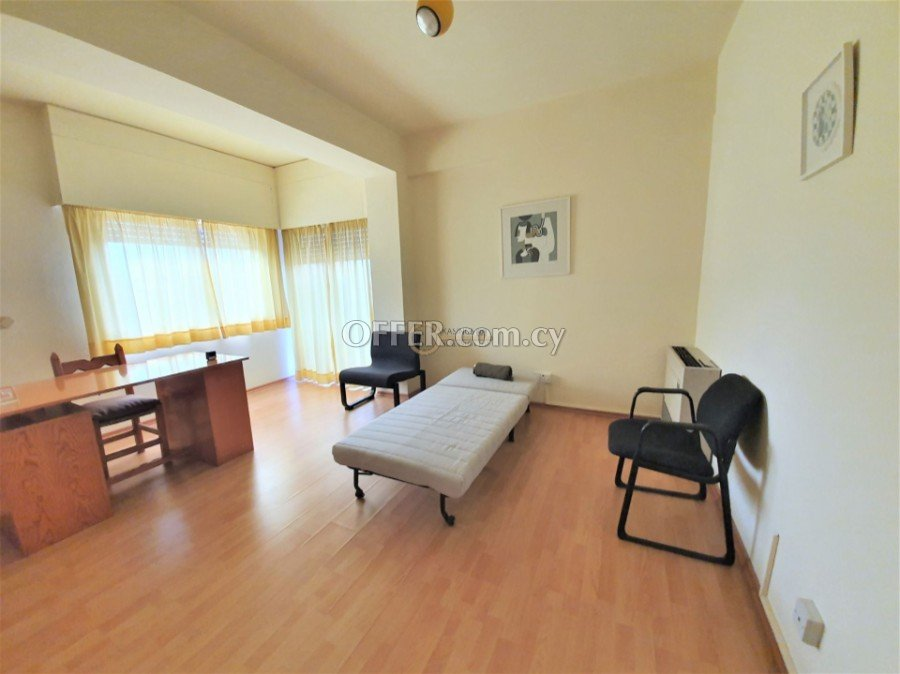 Wonderful two bedroom apartment in central Nicosia, Themistokli Dervi - 5