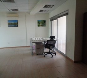 100mtrs Office with floors