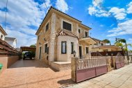 3 Bedroom Villa For Sale With Title Deeds, Avgorou