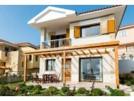 Luxury three bedroom house with private swimming pool for sale in Paphos town