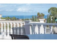 Spacious three bedroom apartment in Paralimni tourist area