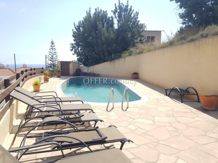 Two bedroom townhouse for sale in Peyia - 9