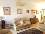 Two bedroom townhouse for sale in Peyia - 11