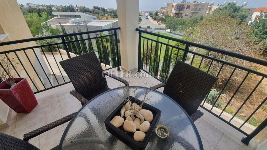 Spacious Modern 2 bedrooms Apartment in Konia - 6